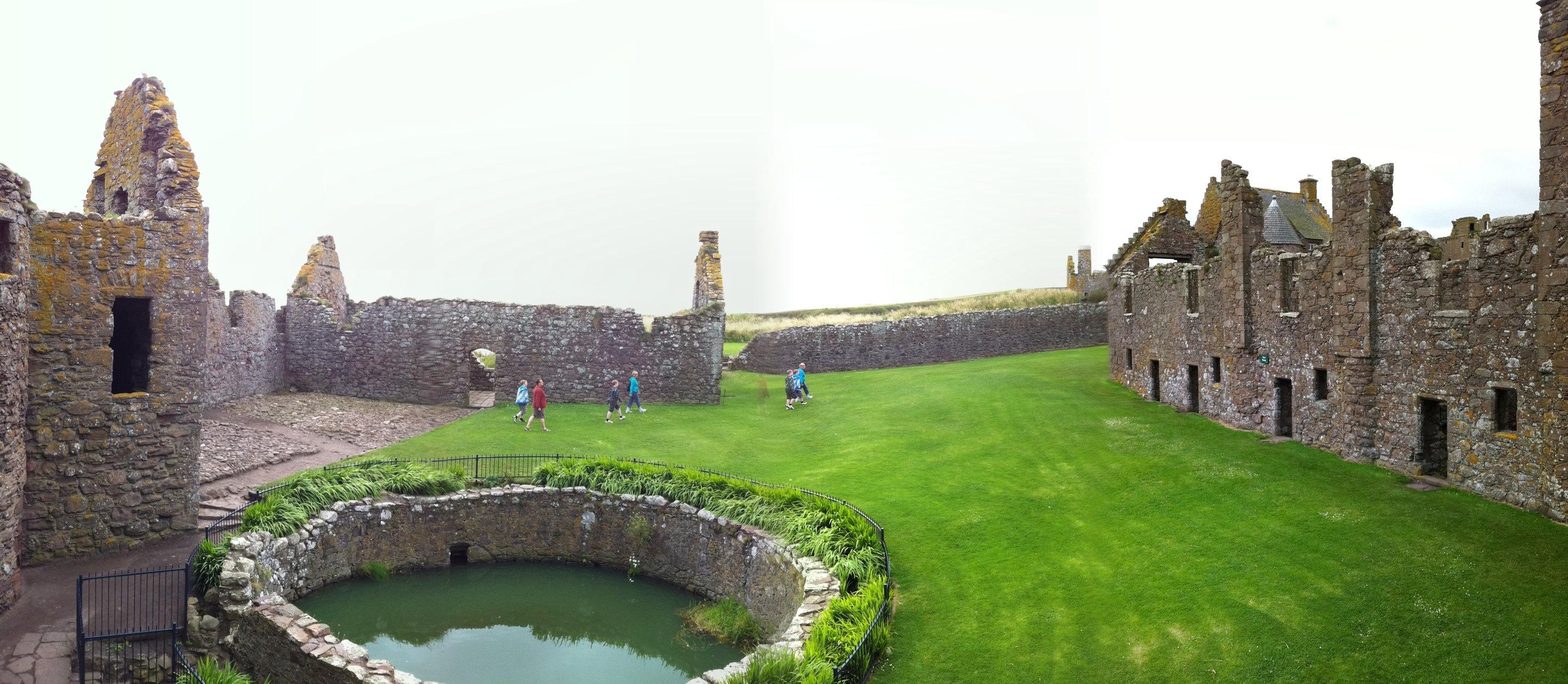 Dunnottar Castle Zzr 1400 Touring